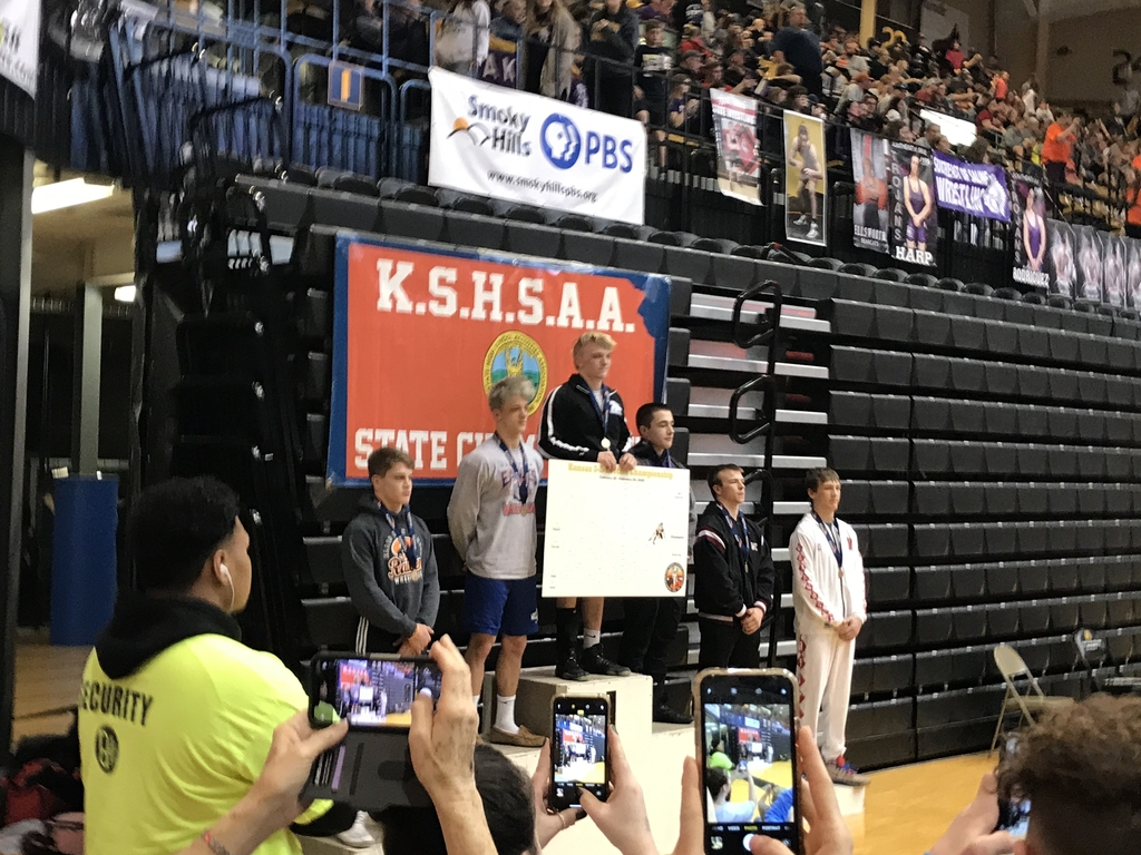 Luke Horn wins Riverside's first wrestling state title and Beau Horn finished 3rd, leading the Cyclones to a 9th place team finish. Congratulations wrestlers and coaches!!